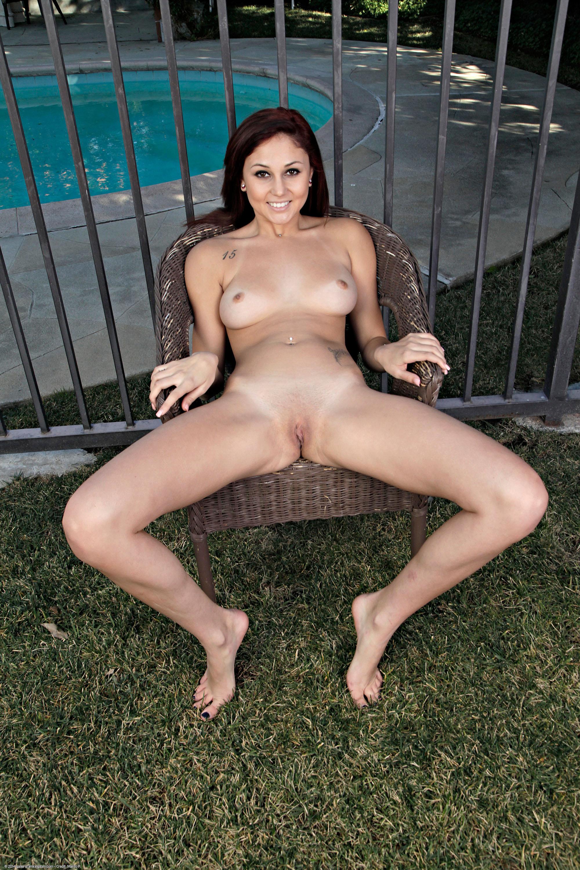 Ariana marie nude