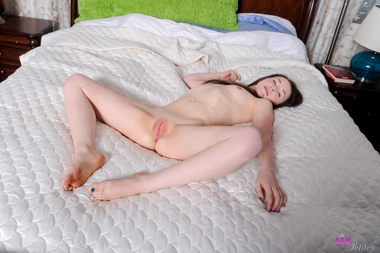 ashlyn rae nude pics