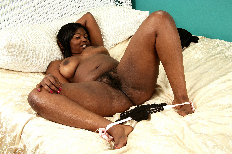 afroamerikanki-s-volosatimi-pizdami-foto