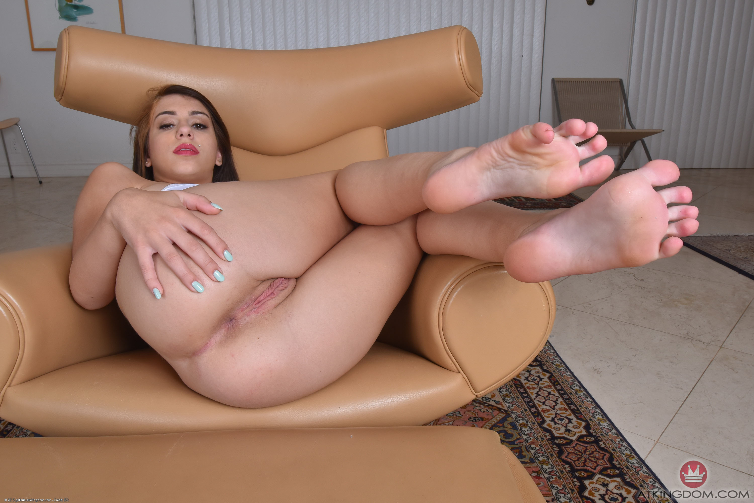white-girl-feet-pussy-pics-super-nude-boobs