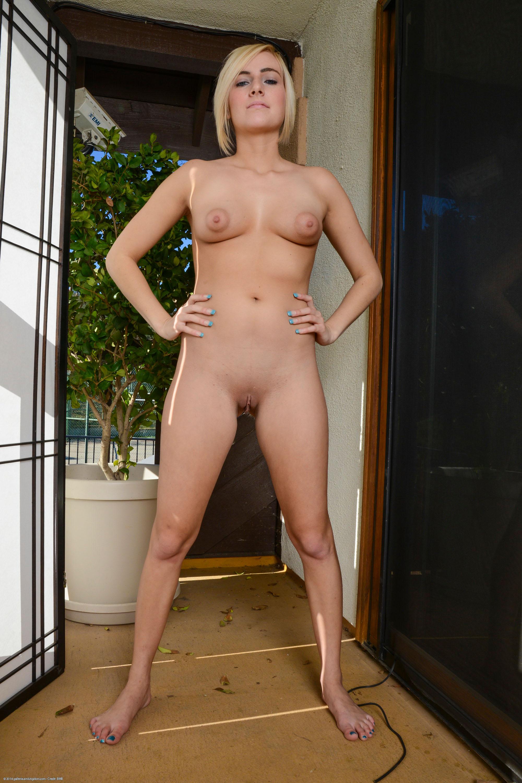 England  nackt Kate 24 Scandalous
