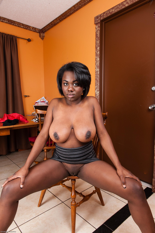 Lexy black nude