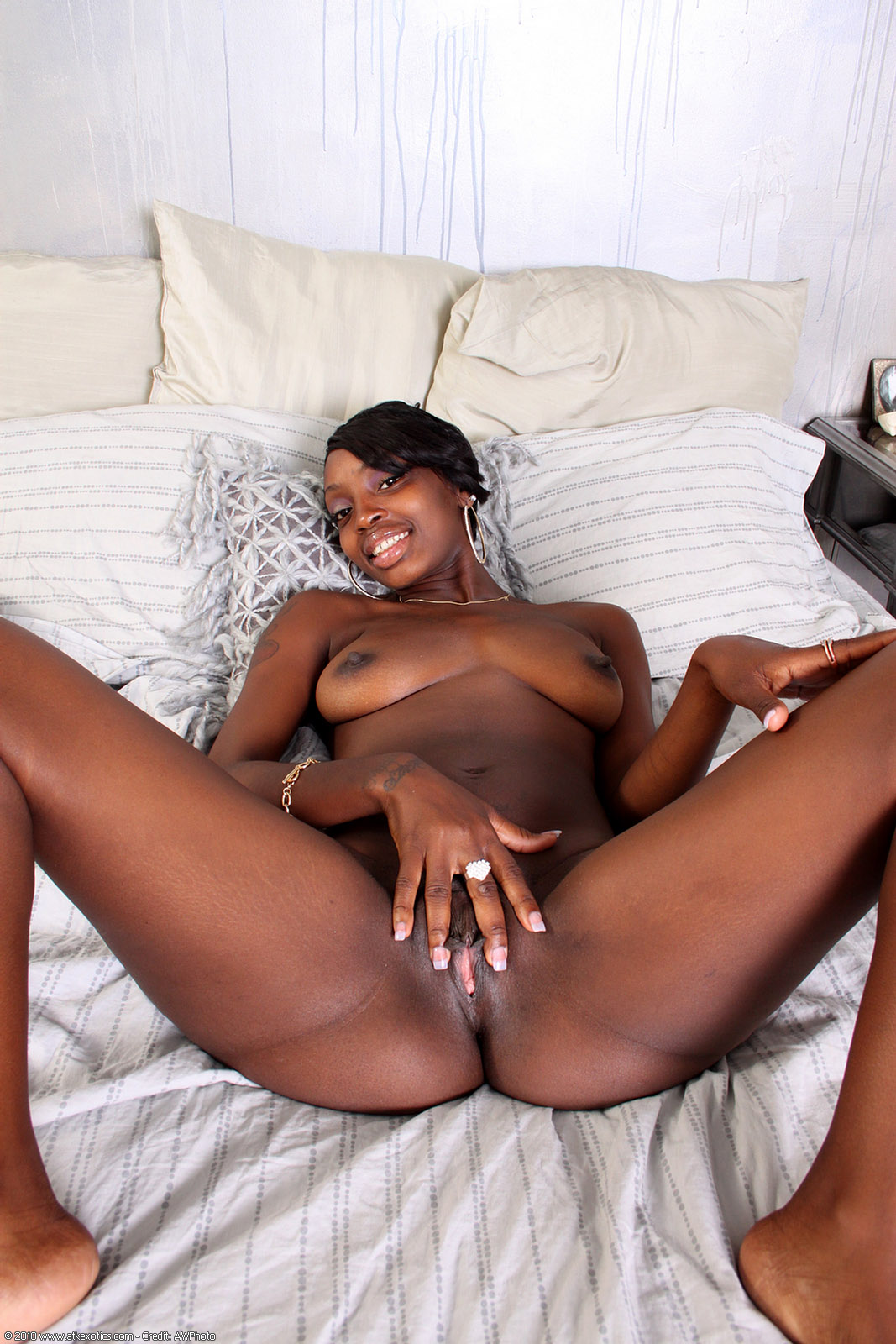 Shaved Black Pussy Pics