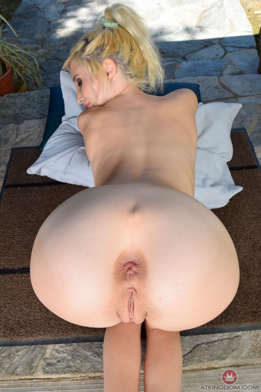 naked-women-anus-holes-erotic