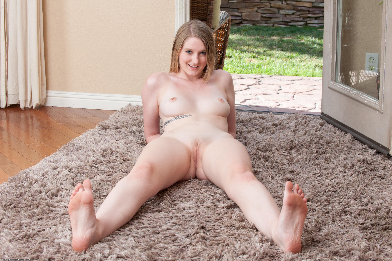 Girls summer nude